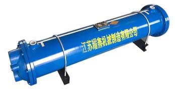 油冷�s器
